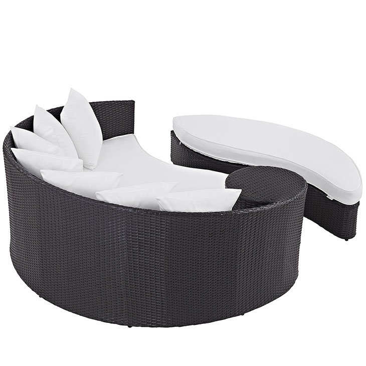 Patio Day Bed in White