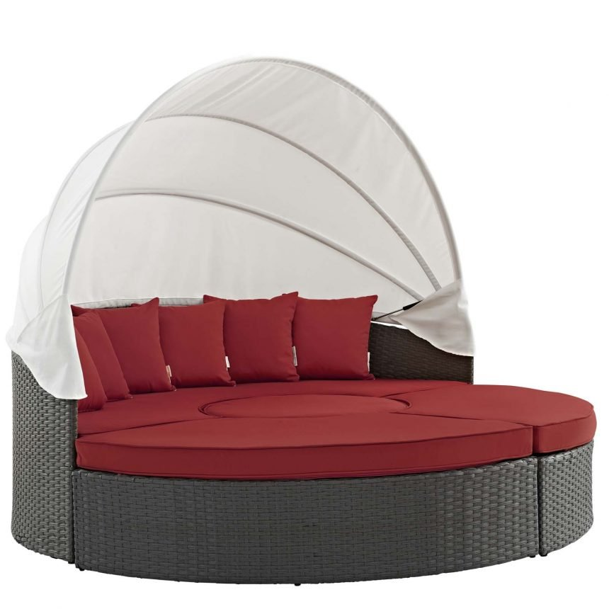 Outdoor Patio Wicker Rattan SUNBRELLA® Daybed in Canvas Red