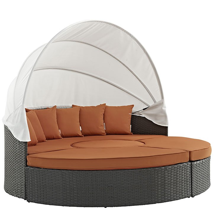 Outdoor Patio SUNBRELLA® Daybed in Canvas Tuscan