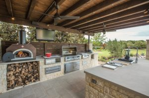 Complete Outdoor Kitchen with Pizza Oven